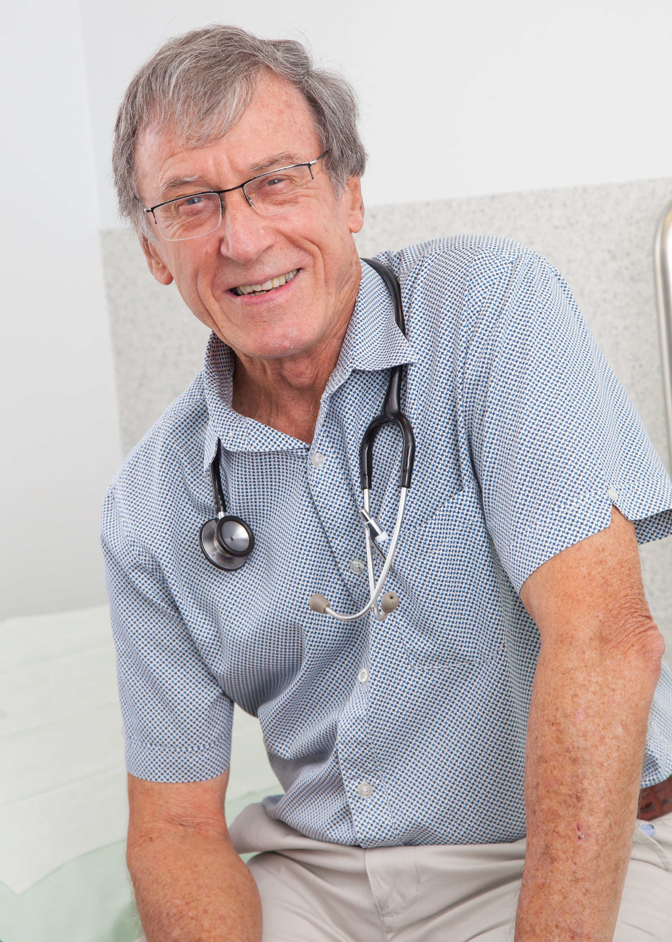 Dr Jonathan Thomas